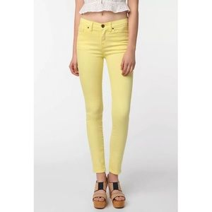 URBAN OUTFITTERS BDG Cigarette High-Rise Jeans